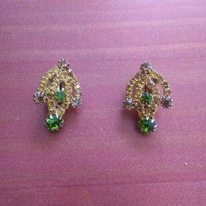 Vintage clip on earrings jewels